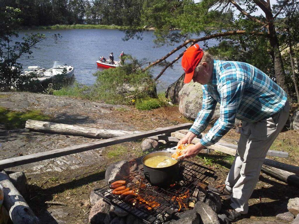 Lunch break in the Finnish archipelago
